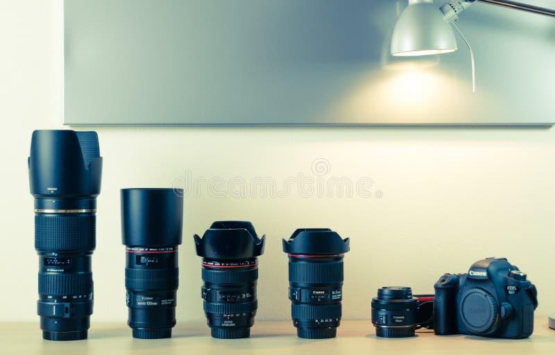 Attrezzatura di fotografia - EOS 6d e lenti di Canon fotografia stock libera da diritti