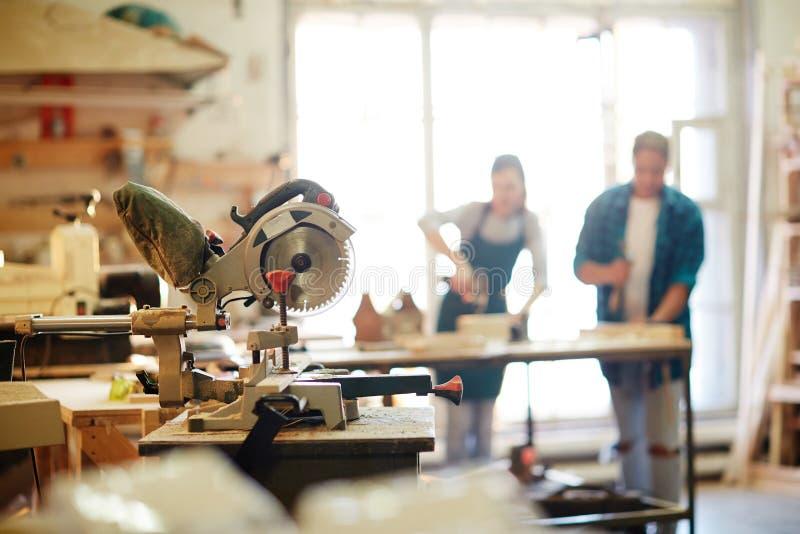 Attrezzatura di sawing immagini stock