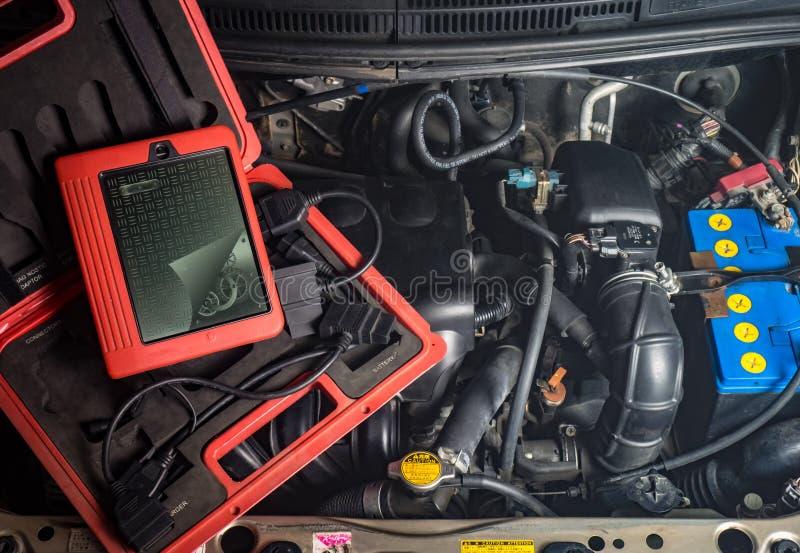 attrezzatura diagnostica per la riparazione dell'automobile, motore, cavo fotografia stock