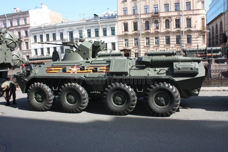 Attrezzatura militare prima della parata immagine stock