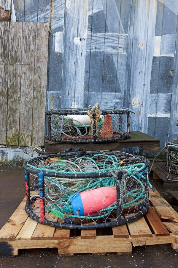 Attrezzatura per la pesca industriale su un pallet immagini stock libere da diritti