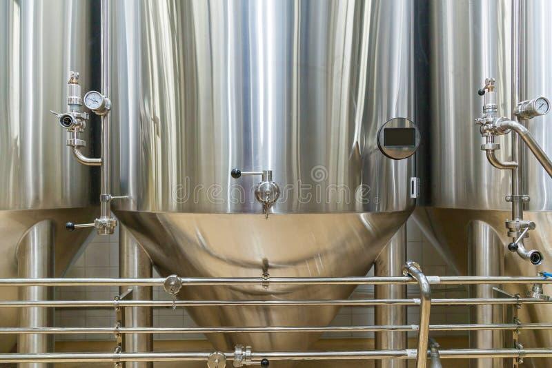 Attrezzatura per produzione della birra fotografie stock