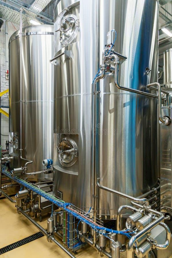 Attrezzatura per produzione della birra immagini stock libere da diritti