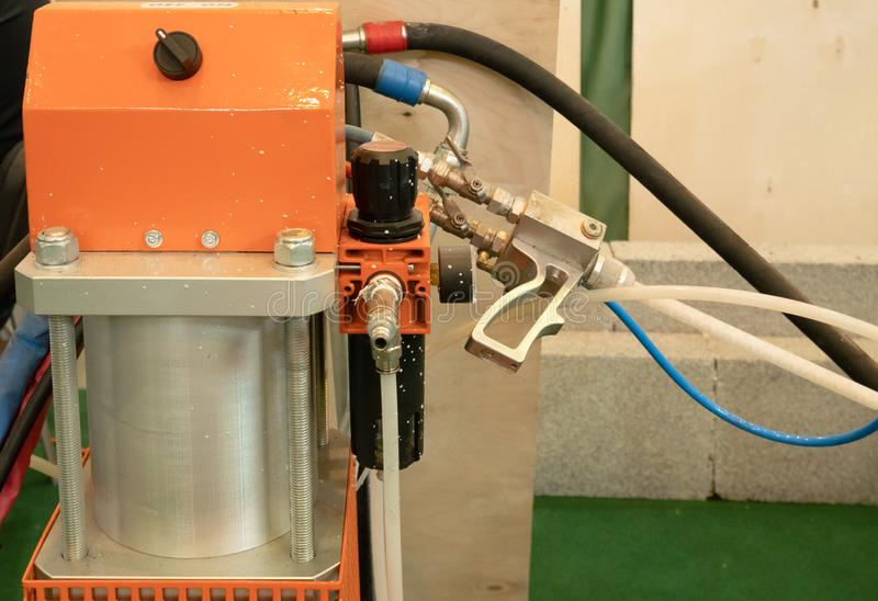 Attrezzatura pneumatica di spruzzatura automatica professionale del sistema della macchina del primo piano per le automobili di v immagini stock libere da diritti