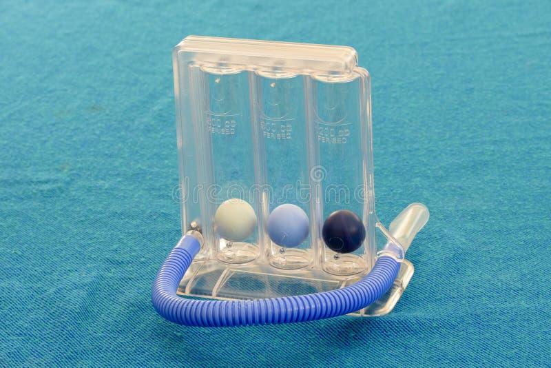 Attrezzo ginnico respiratorio di Threeflow dello spirometro immagine stock libera da diritti