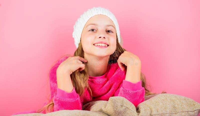 Attribut d'agrément de saison d'hiver Concept de saison d'hiver Accessoire de mode d'hiver Concept d'accessoire d'hiver Fille lon image libre de droits