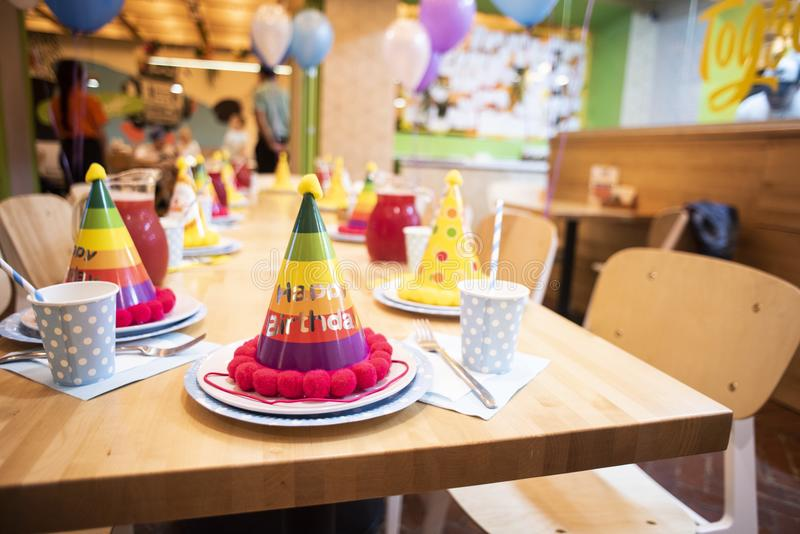 Attributen van kinderen` s vakantie De partij van de kinderen` s verjaardag stock afbeelding