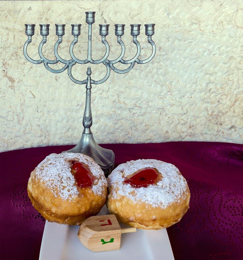 Attributs et symboles juifs de vacances de Hanoucca photo stock