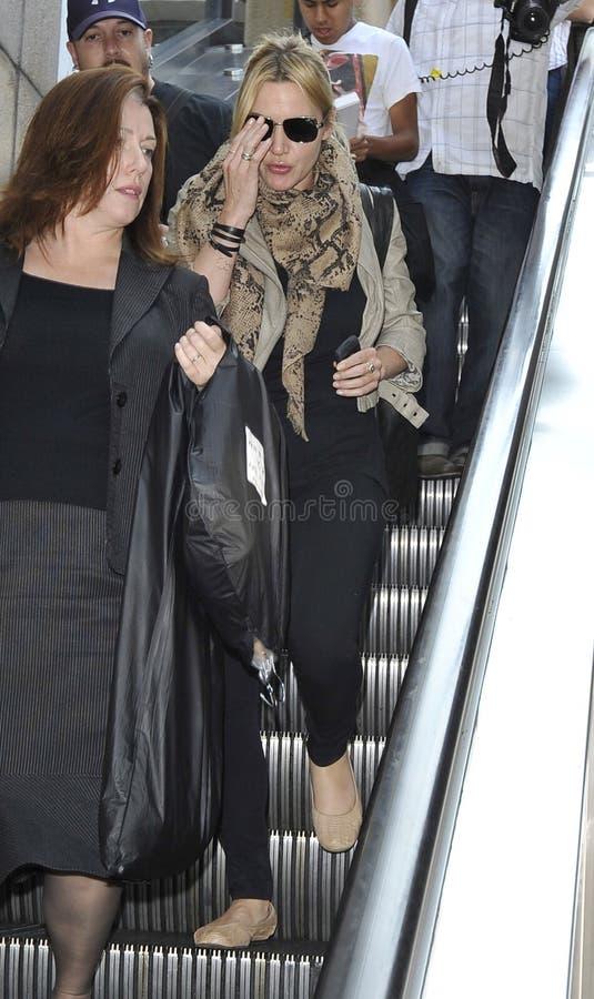 Attrice Kate Winslett all'aeroporto di LASSISMO. immagini stock