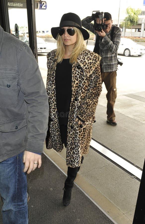 Attrice Nicole Richie all'aeroporto di LASSISMO fotografie stock libere da diritti