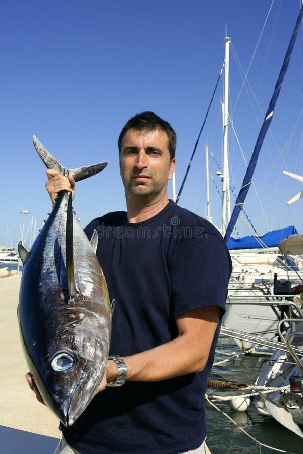 Atum de albacora do grande jogo da pesca do pescador foto de stock