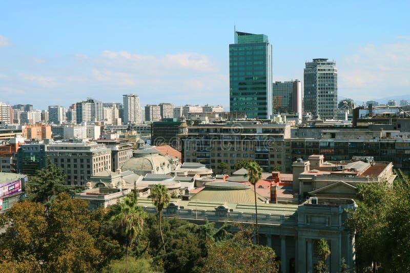 Aturdindo a baixa Santiago View do ponto da vigia de Santa Lucia Hill, Santiago, o Chile foto de stock