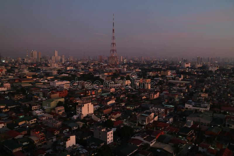 Aturdindo a opinião de Manila Twighlight foto de stock