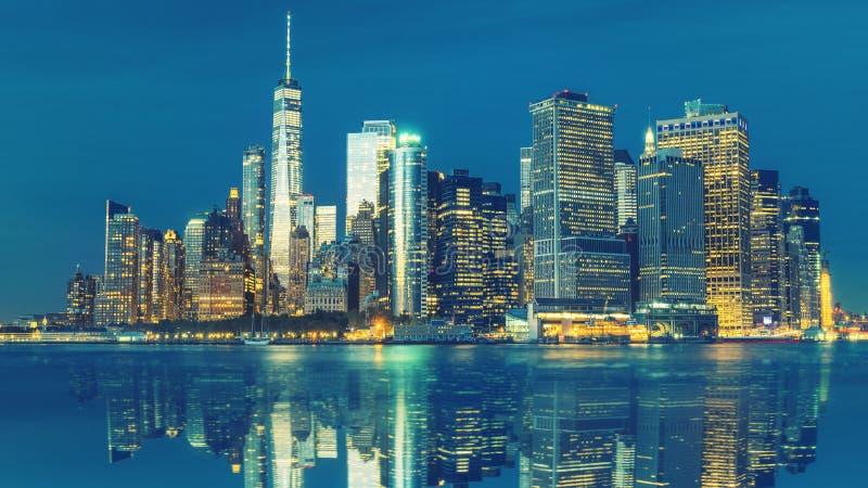 Aturdir vistas de la Manhattan m?s baja antes de la puesta del sol, New York City fotografía de archivo libre de regalías