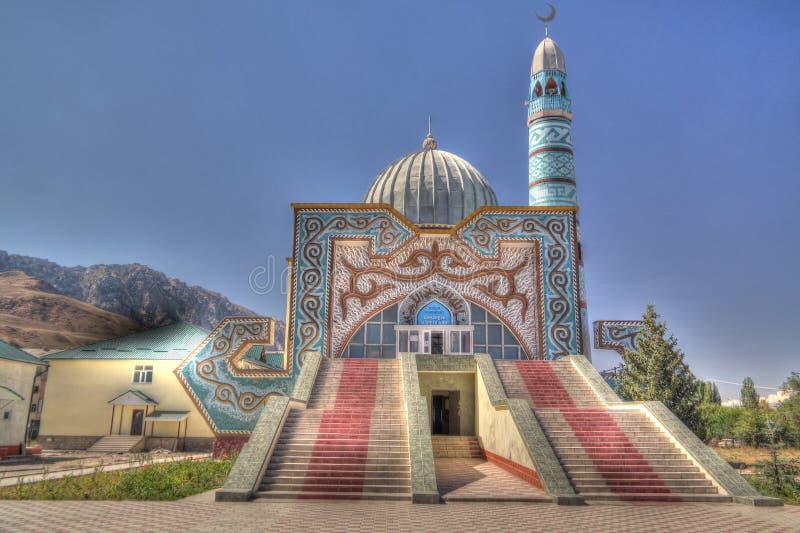 Außenansicht zu zentraler Moschee Naryn, Kirgisistan lizenzfreies stockfoto