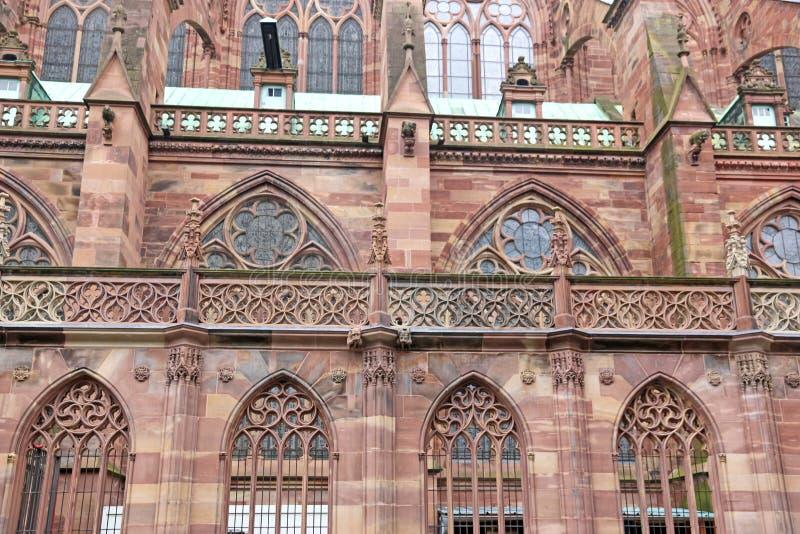 Außendetail von Straßburg-Kathedrale, Frankreich stockbild