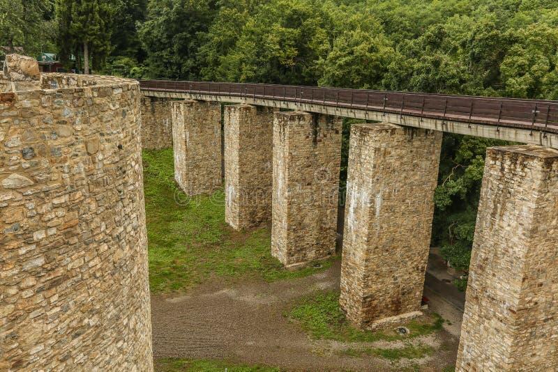 Außenwände von Neamt-Festung lizenzfreie stockbilder