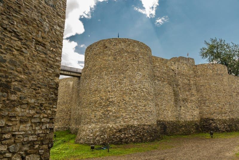 Außenwände von Neamt-Festung lizenzfreie stockfotos