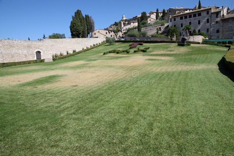 Außergewöhnlicher Garten mit tau Pax stockfotos