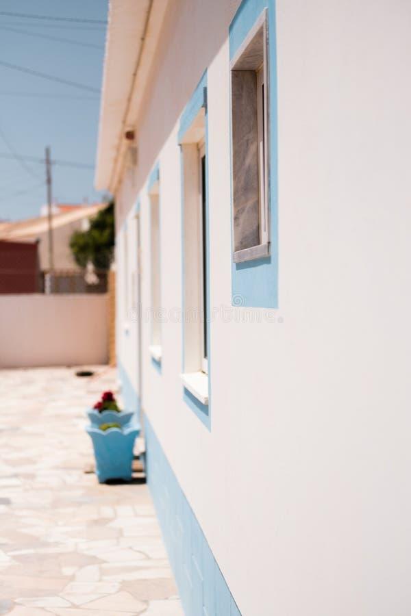 Außerhalb der Ansicht eines Mittelmeerhauses stockfoto