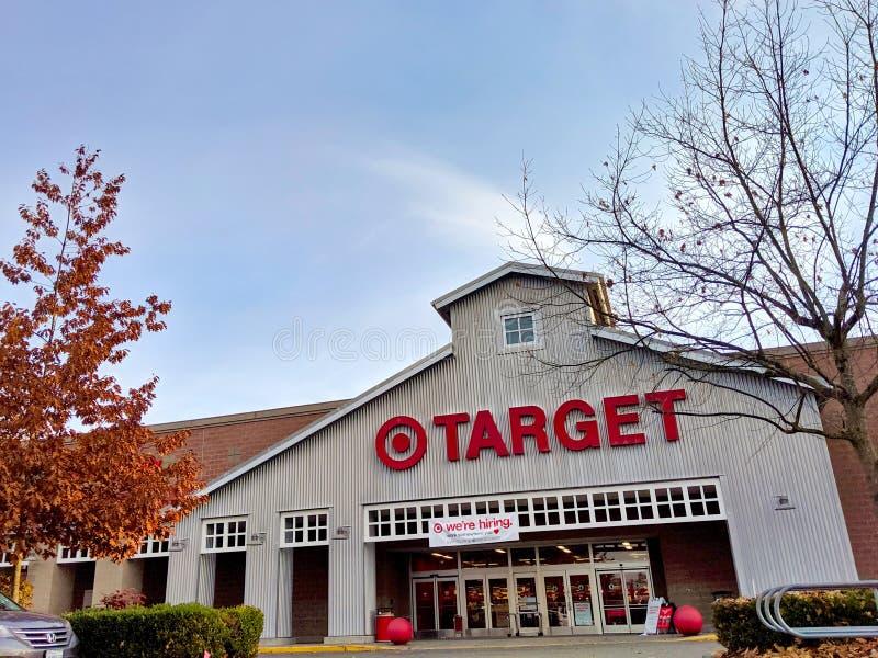 Außerhalb des Geschäfts- und Hauswerksgeschäfts von Target in Woodinville, WA stockfotos