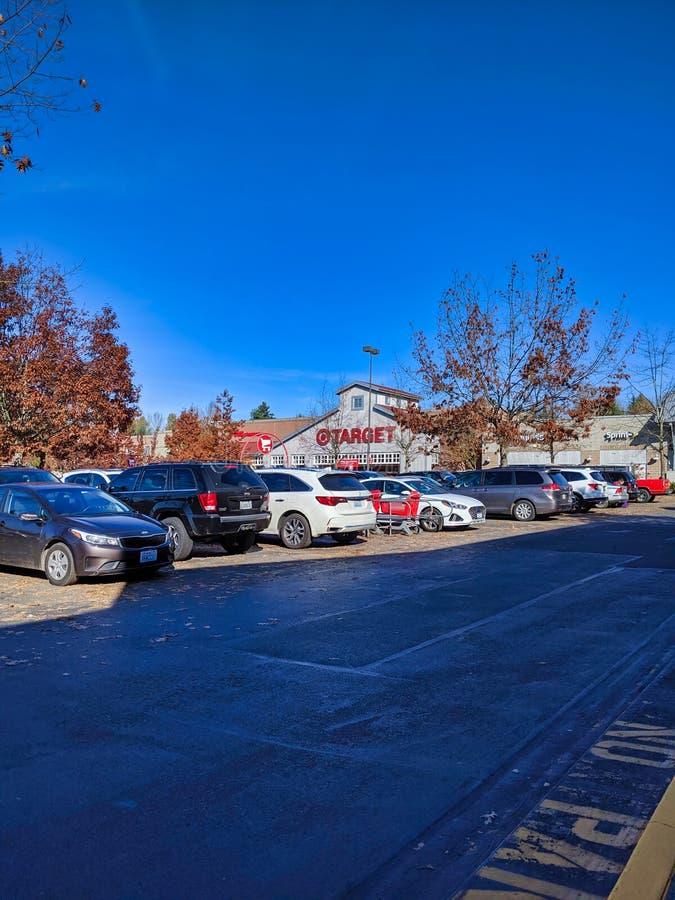 Außerhalb des Geschäfts- und Hauswerksgeschäfts von Target in Woodinville, WA lizenzfreie stockfotos