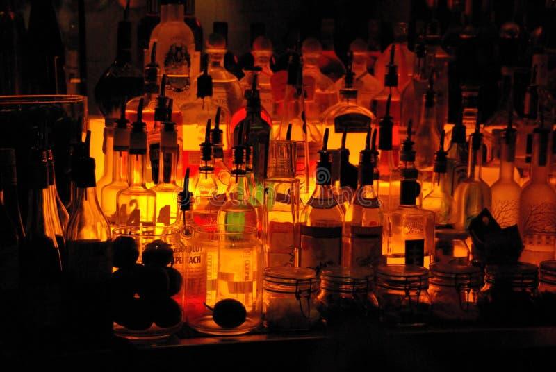 Au bar photos stock
