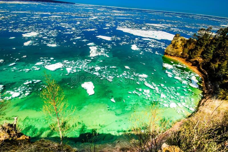 Au bord du lac national décrit de lac photo stock