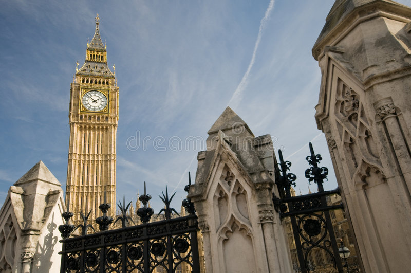 Download Au-dessous de ben grand image stock. Image du britannique - 8671303