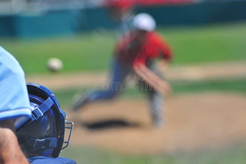 Au-dessus de l'épaule de gants de baseball photographie stock