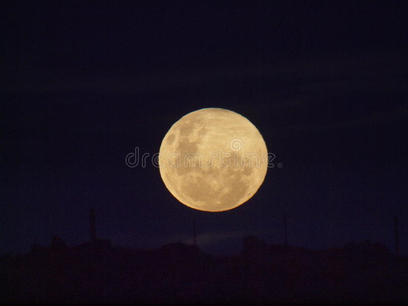Au-dessus de la colline (lune) 2 photo stock