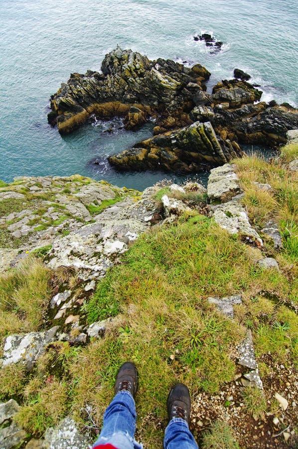 Au-dessus de la falaise photos stock