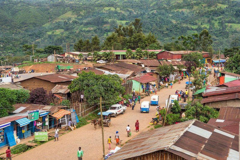 Au-dessus de la vue de la vie dans la rue dans Mizan Teferi, l'Ethiopie photo stock