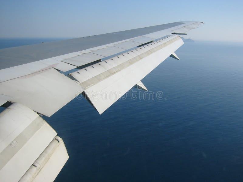 Download Au-dessus des nuages image stock. Image du transport, technologie - 56365