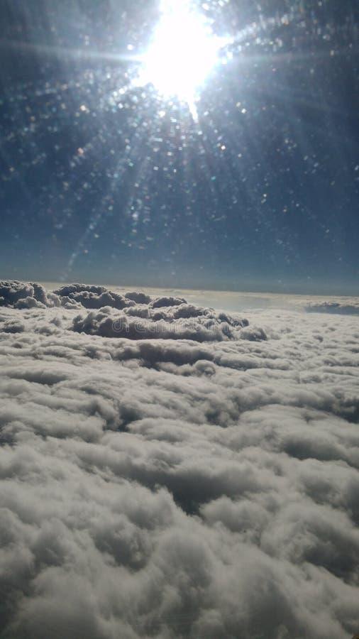 Au-dessus du ciel images libres de droits