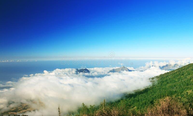 Au-dessus du nuage photo libre de droits