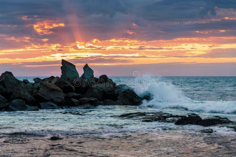 Aube à la baie d'Opollo, grande route d'océan, Victoria, Australie photos libres de droits