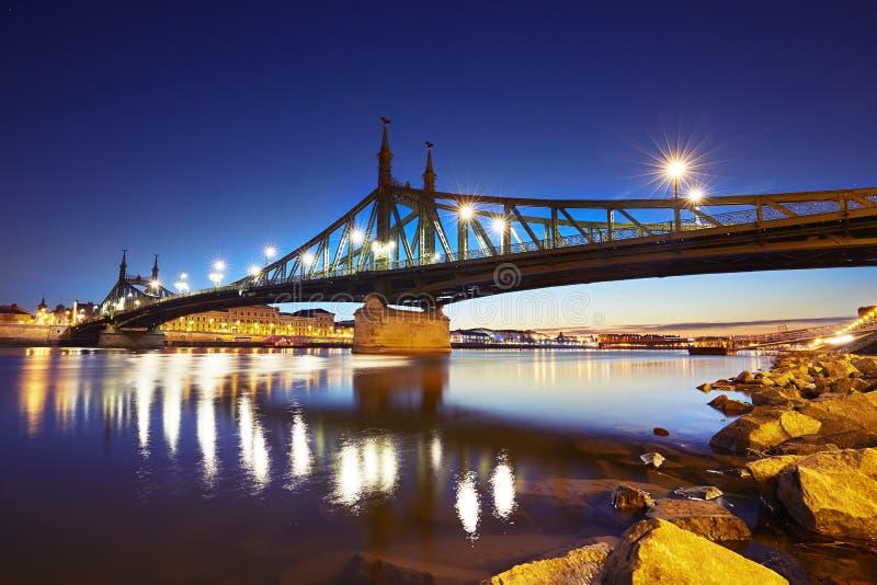 Aube étonnante à Budapest photos stock