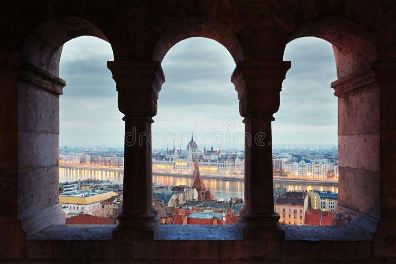 Aube étonnante à Budapest photo stock