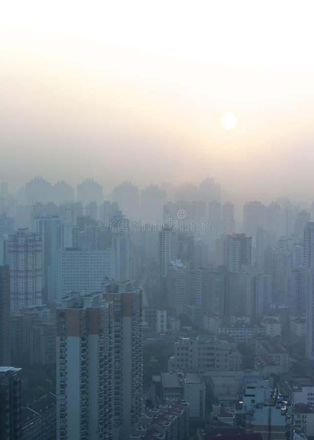Aube de Changhaï dans la ville image stock