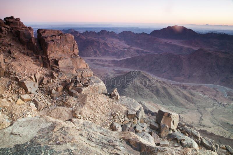 Aube en montagnes de Sinai photographie stock libre de droits