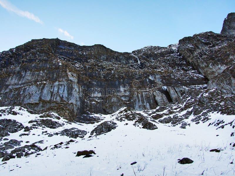 Aube et crépuscule sous le dessus de Santis et du massif Alpstein de montagne images libres de droits