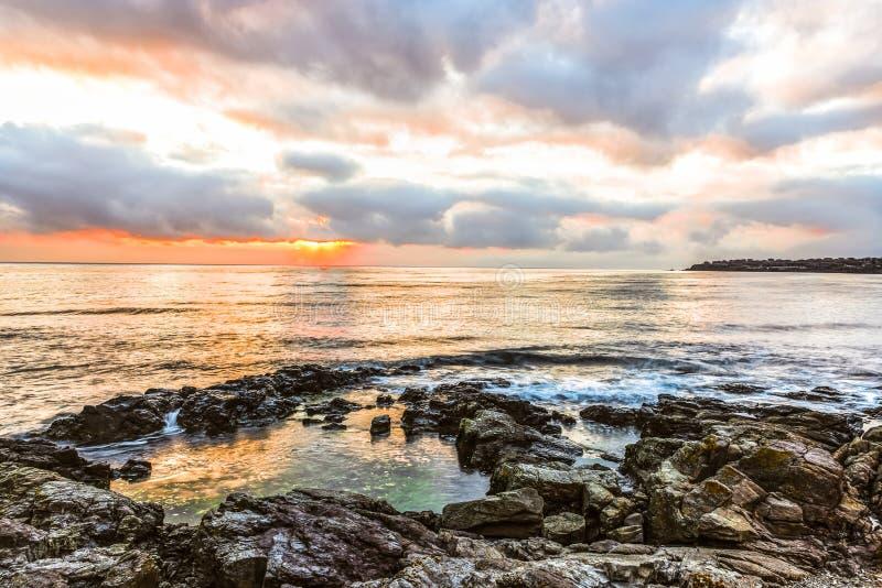 Aube sur la Mer Noire dans Sozopol, Bulgarie photographie stock libre de droits
