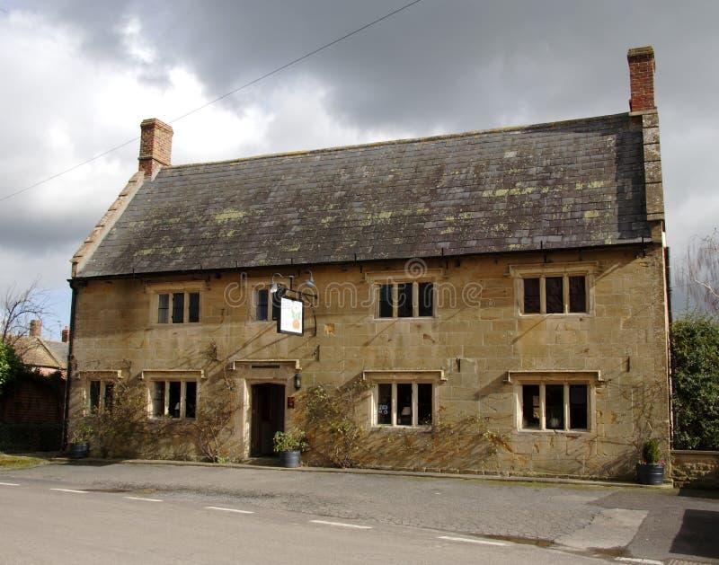 Auberge anglaise de village image stock