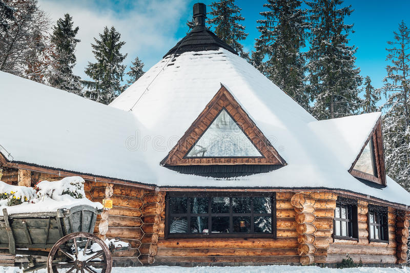 Auberge d'hiver images stock