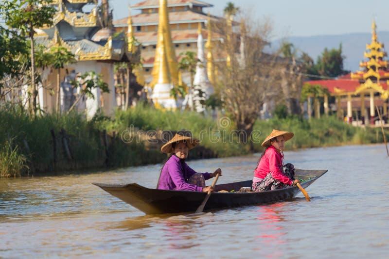 Auberge Dain Pagoda de Shwe, dans le lac Inle, Myanmar photographie stock libre de droits