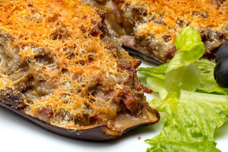 Aubergine bourrée de la viande et du parmesan photographie stock