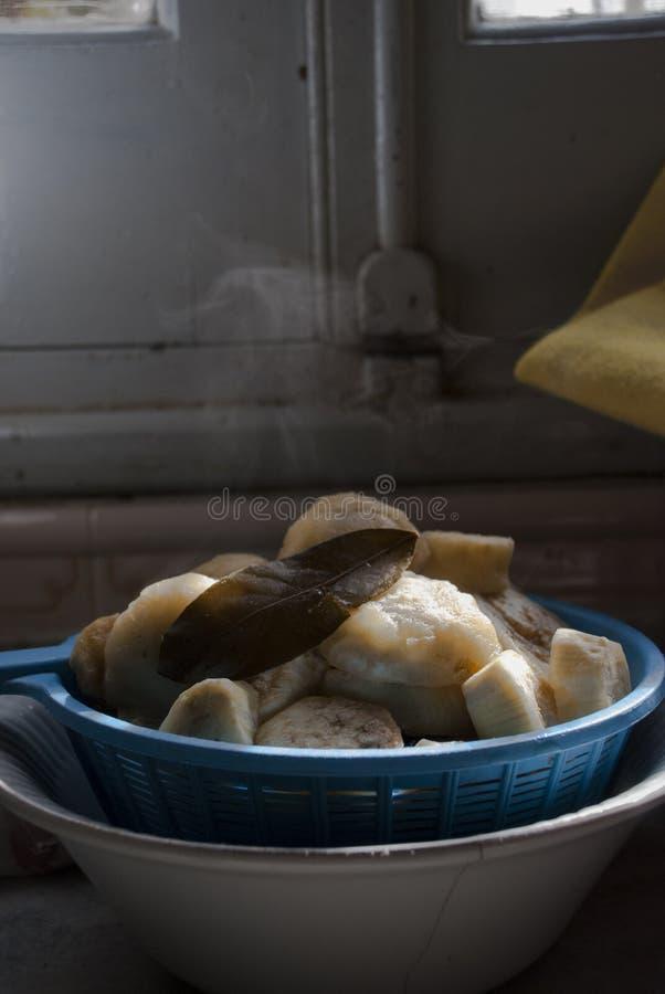 Aubergine_marinade_cooking fotografía de archivo libre de regalías