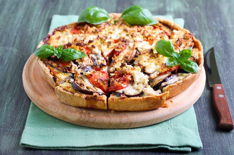 Aubergine, pomidoru i sera quiche, zdjęcie royalty free