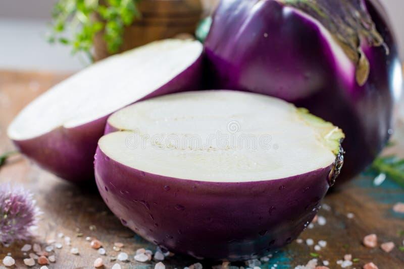 Aubergine violette, légumes sains frais photographie stock libre de droits